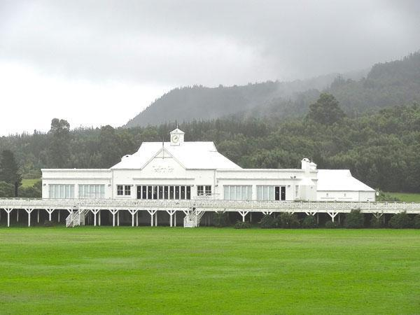 10.Kurland Polo Clubhouse